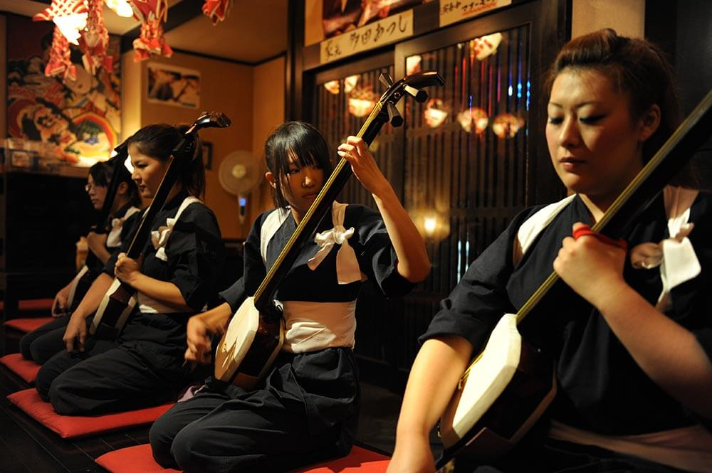 Diner and shamisen concert in Hirosaki, photo tour to Japan